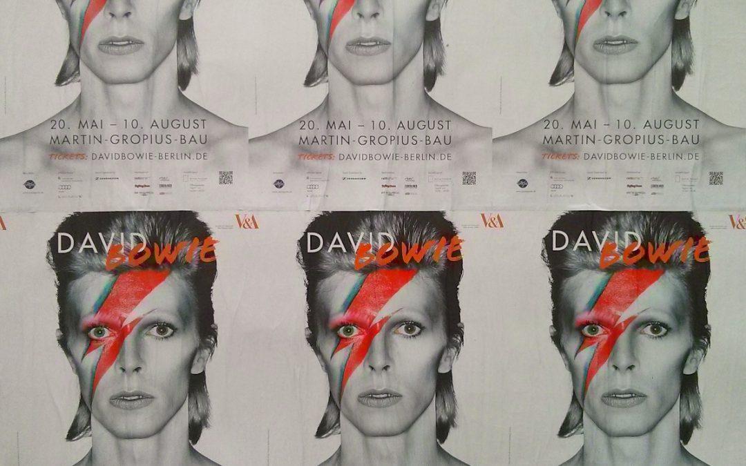 Ausstellungsplakate David Bowie Berlin Martin-Gropius-Bau