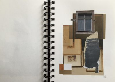 Fenster alt, ringsum braune, graue Schnipsel, Collage, Papier