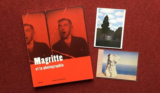 """Katalog zur Ausstellung """"Magritte et la photographie"""", Foto mit Postkarten by hehocra"""