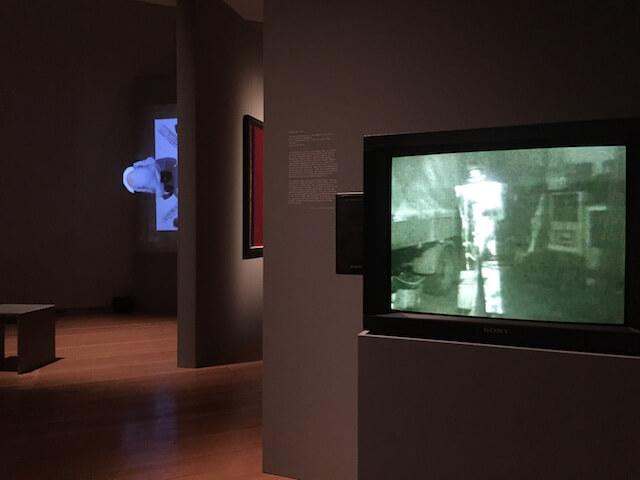 """""""Ulay Life-Sized"""" Ausstellung Ausschnitt mit Videos, by hehocra"""