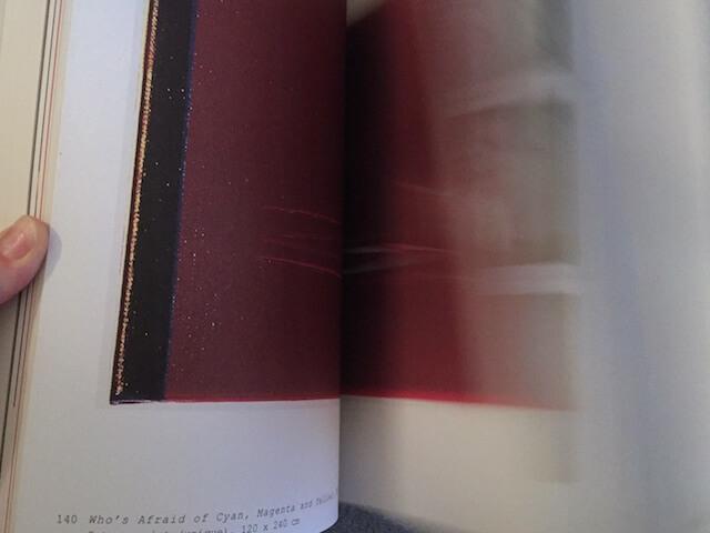 Ulay Life-Sized Ausstellung, Blättern im Katalog, by hehocra