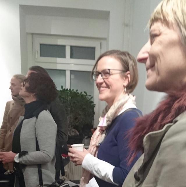 """Vernissage """"Mutabor"""", Doreen Trittel zwischen Christine Balbach (li) und Dr. Carola Muysers (re), (c) hehocra"""