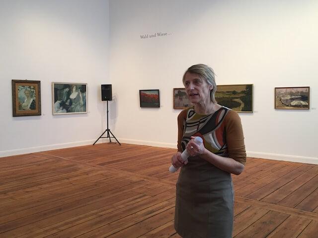 Dr. Carola Muysers in der Ausstellung des VdBK, Teil 1, (c) hehocra