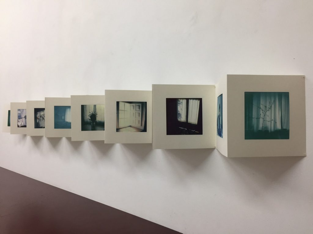 """""""Sehnzucht: The Remix"""" von Eva Gjaltema in der Ausstellung """"Quietude"""", Foto by hehocra"""