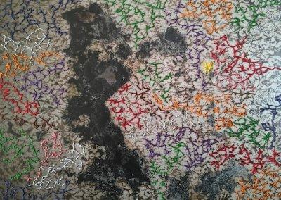 Typenschulbau 5/9, Fotografie auf Karton, Farbdruck, Stickereien per Hand, 27 x 20 cm, 2016, (c) hehocra