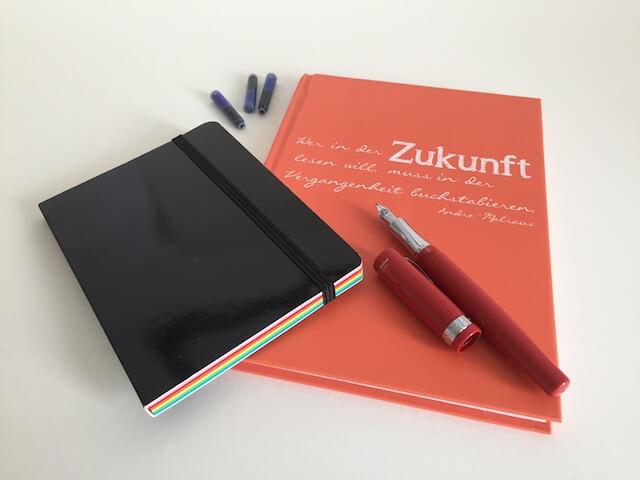 Notizbücher mit Füller, by hehcora