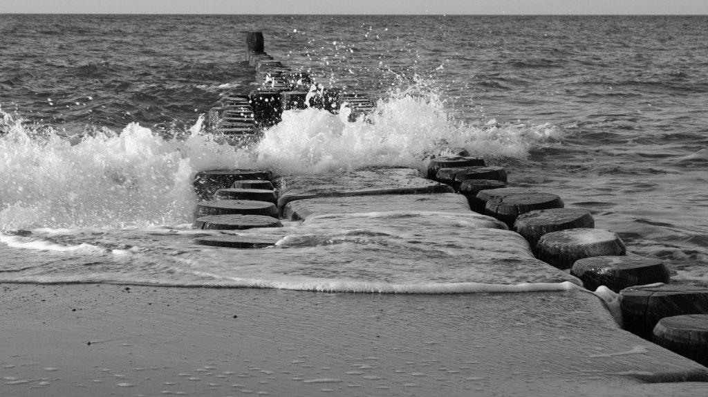 Die Kraft des Meeres, Ostsee, Darß, 2008, (c) Doreen Trittel