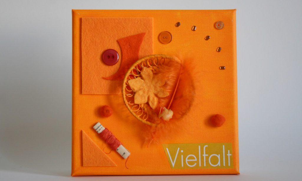 Regenbogen, orange, Assemblage, 20x20cm, 2010, (c) Doreen Trittel