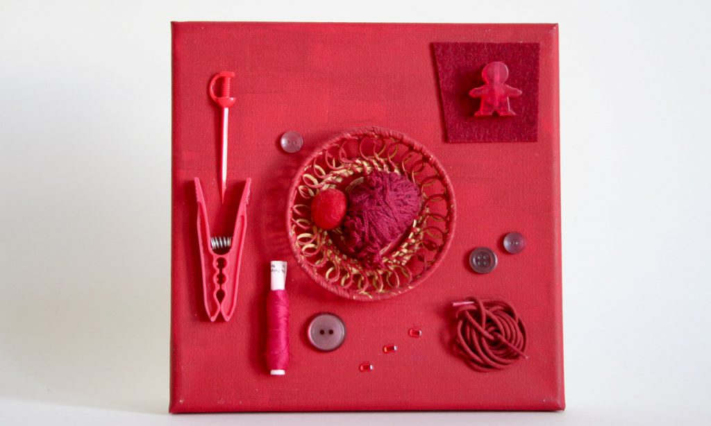 Regenbogen, rot, Assemblage, 20x20cm, 2010, (c) Doreen Trittel